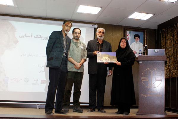 در پی درخواست فعالان محیط زیست و موافقت سازمان حفاظت محیط زیست، مقرر شد نام فارسی سسک پالاس، به یاد امیر طالبی گل، «سسک گل» گذاشته شود